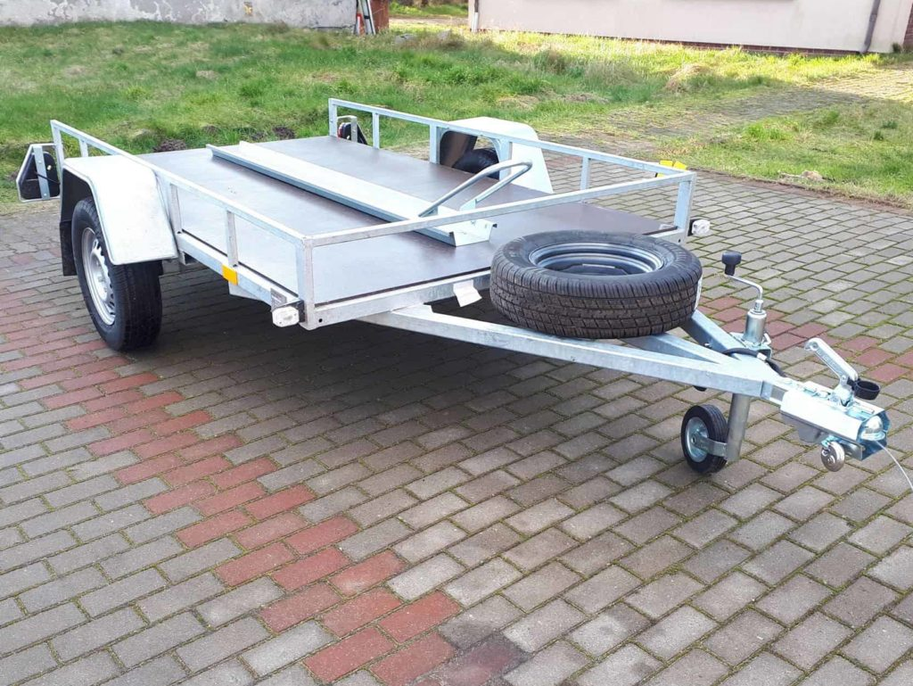 Wypożyczalnia samochodów przyczep i lawet w Redzie - FiFiCars.pl